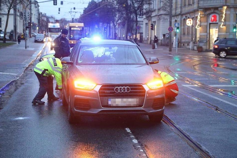 Der Audi erfasste die Frau.