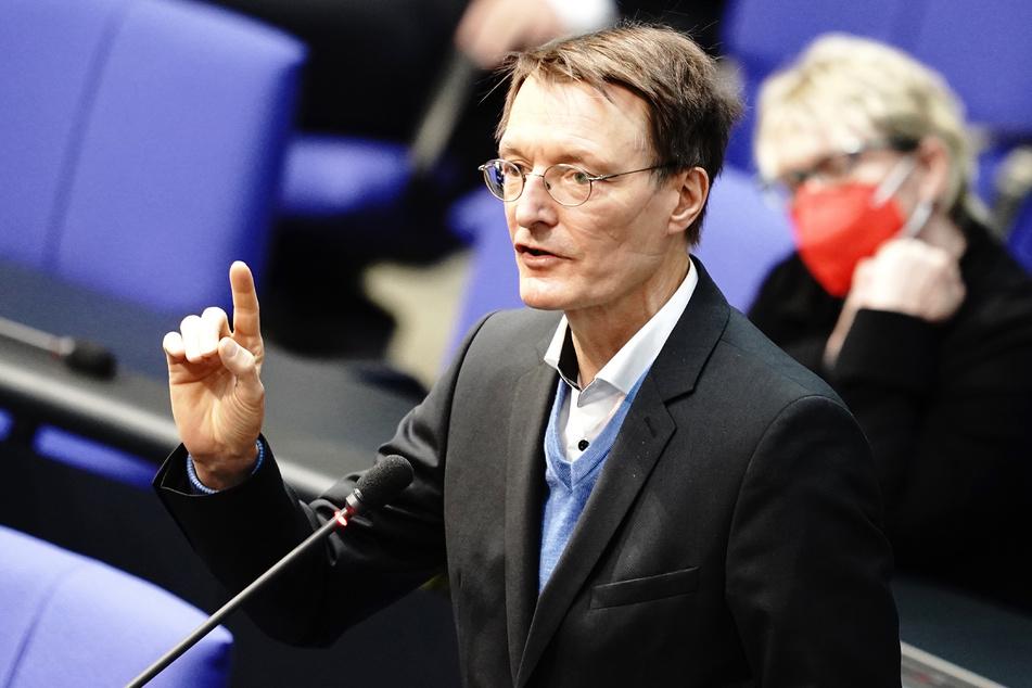 Karl Lauterbach (58, SPD) erklärt seine Sicht auf die Herdenimmunität.