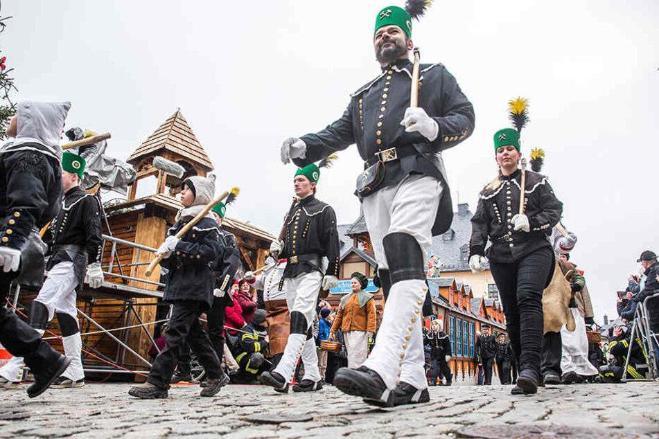 Die große Abschlussbergparade findet am 23. Dezember in Annaberg-Buchholz statt.
