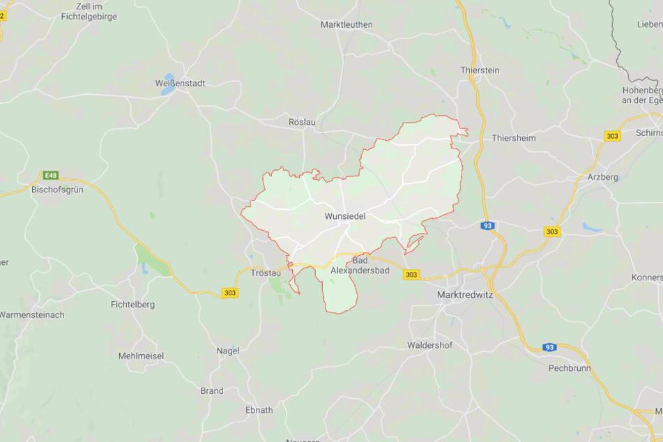 In Wunsiedel in Bayern ist es am Donnerstagabend zu einem Zwischenfall gekommen.