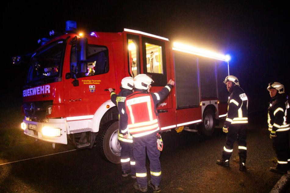 Als die Feuerwehr ankam, hatten die Kameraden schon gar nichts mehr zu tun. Die junge Frau war bereits frei.