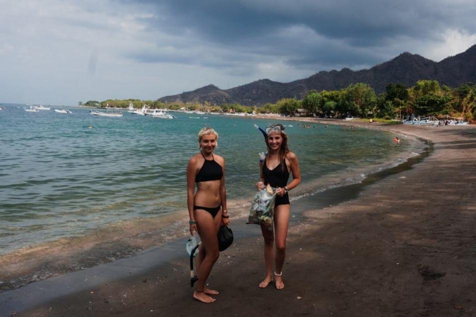 Traumstrand auf Bali. Gina sammelte auch hier Müll, eine Mitreisende half dabei.