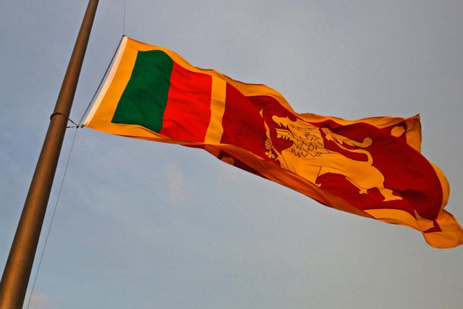 Die Flagge von Sri Lanka. Hier soll der Angeklagte seine Kriegsverbrechen verübt haben.