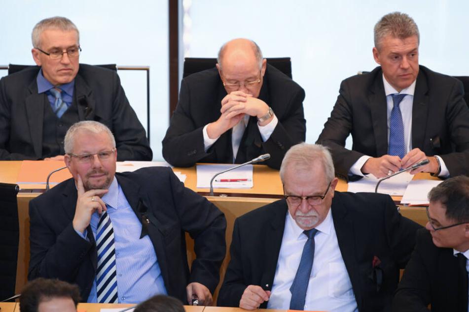 Erich Vohl (hinten, Mitte) fiel bei der geheimen Abstimmung im ersten Wahlgang durch.