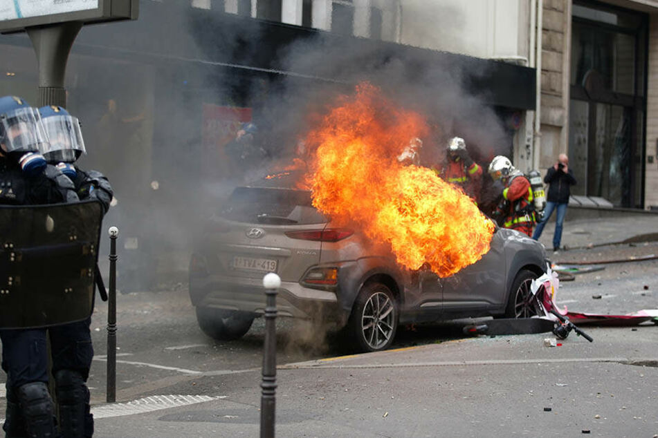 Wieder einmal ist Paris Schauplatz von Straßenkämpfen. Ein letztes Aufbäumen?