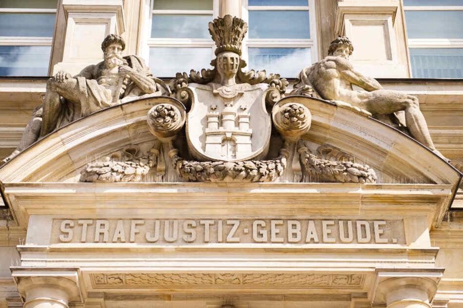Das Landgericht Hamburg verkündet in dem Prozess am Mittwoch sein Urteil. (Archivbild)