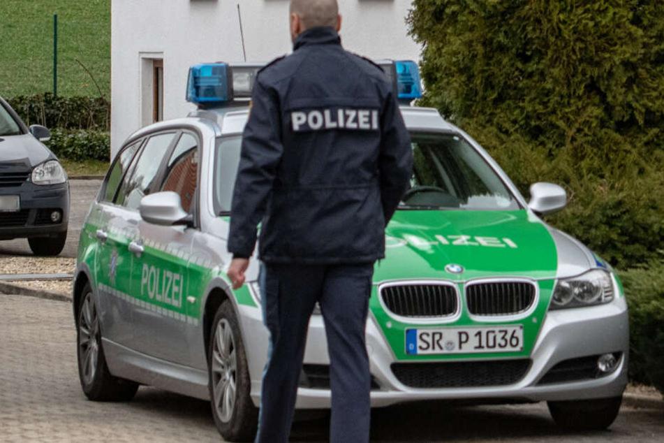 Die Polizei hat mittlerweile den 41-jährigen Sohn festgenommen. Der Mann ist dringend tatverdächtig.