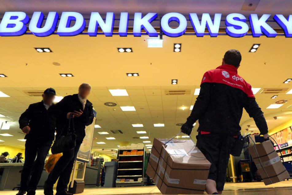 Pakete im Drogeriemarkt abgeben? Budnikowsky und DPD mit Pilotprojekt