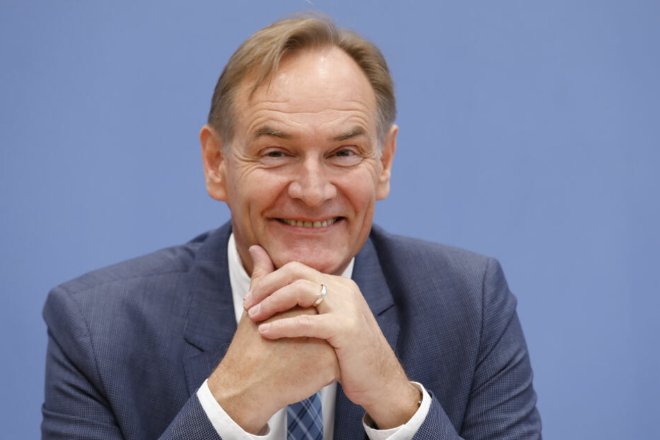 """""""Wir haben erneut bewiesen, dass wir europaweit im Wettbewerb bestehen und gewinnen können"""", freut sich Leipzigs Oberbürgermeister Burkhard Jung (61, SPD)."""
