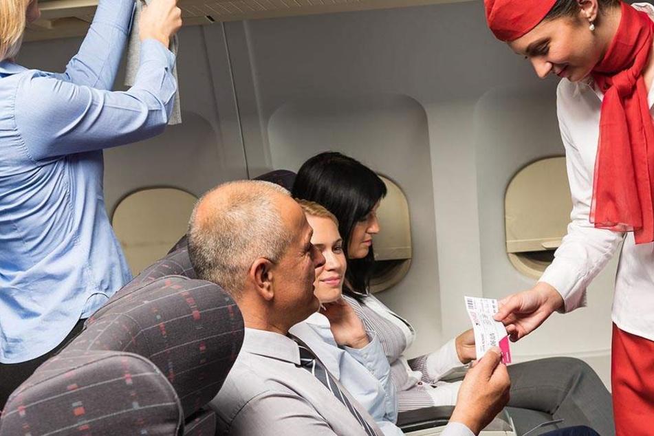Stewardess warnt anonym: Das solltet Ihr auf einem Flug nicht trinken