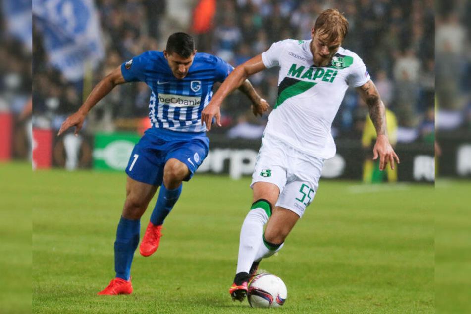 Timo Letschert (rechts) spielte bei US Sassuolo kaum eine Rolle und wurde nach Holland verliehen.