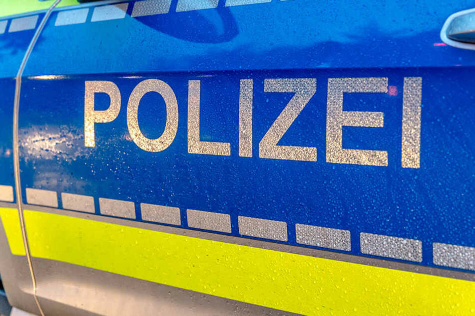 Die Polizei entzog der betrunkenen Autofahrerin den Führerschein.