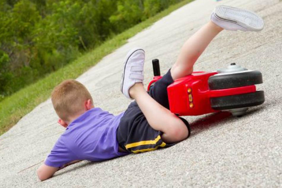 Dramatischer Unfall mit einem kleinen Jungen (Symbolbild).