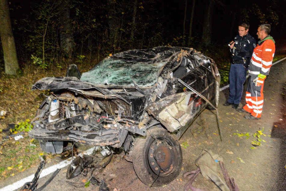 Die 50-jährige Fahrerin hatte bei diesem Unfall auf der L95 keine Überlebenschance.