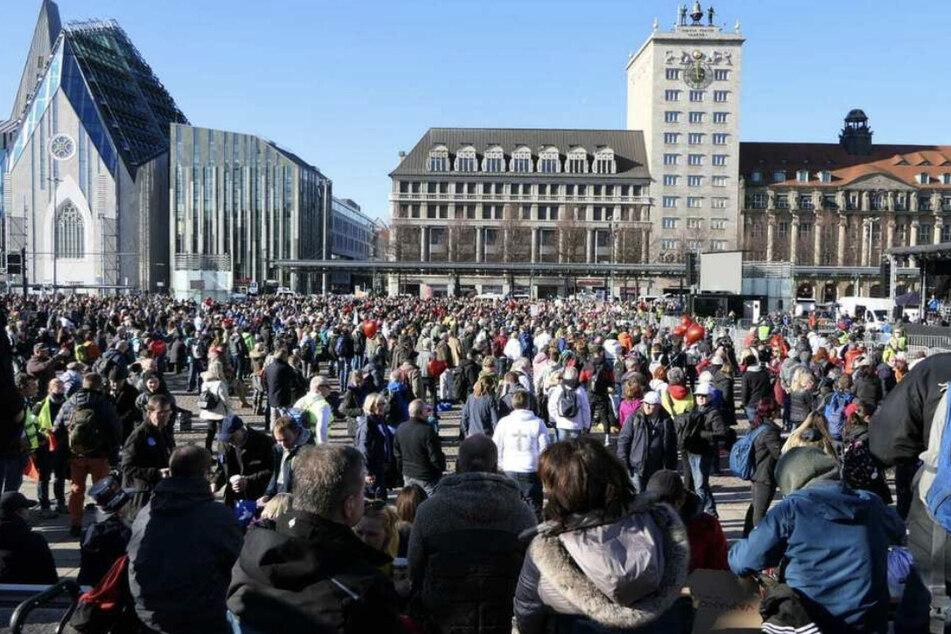Anfang November 2020 versammelten sich Tausende von Demonstranten auf dem Leipziger Augustusplatz. (Archiv)