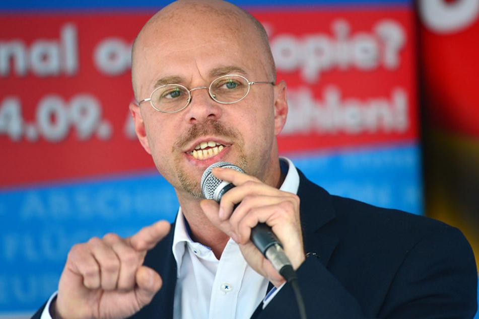 Andreas Kalbitz (45) soll 2007 das Pfingstlager eines rechtsextremen Vereins besucht haben. (Archivbild)