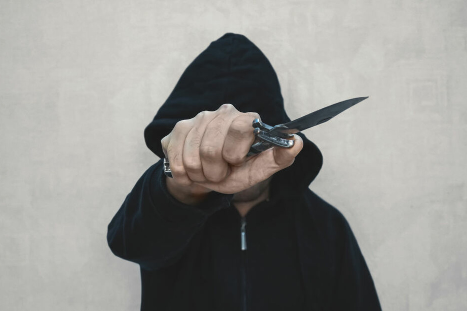 Die Frau wurde Opfer einer Messerattacke. (Symbolbild)
