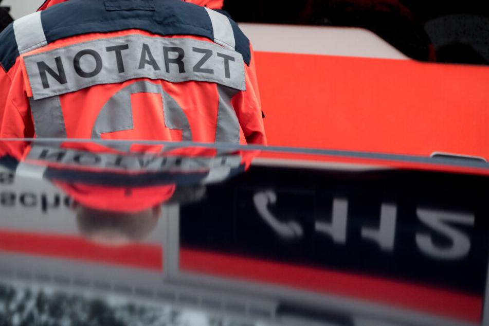 Der Fahrer des Lastwagens wurde in ein Rostocker Krankenhaus gebracht.