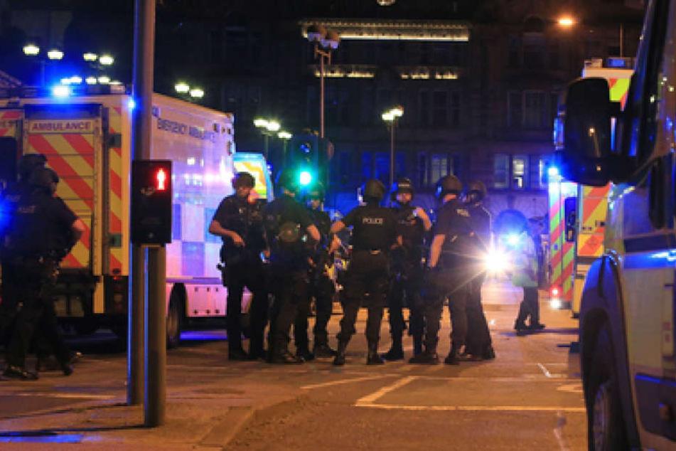 Die Hintergründe der Tat sind noch völlig unklar. Die Polizei geht allerdings von einem Terroranschlag aus.