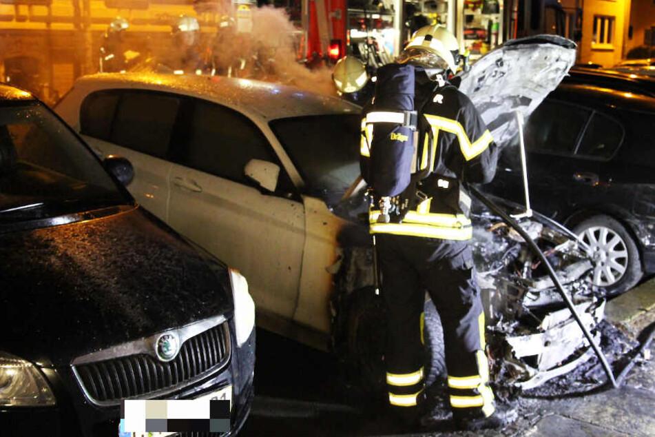 In der Körnerstraße in der Südvorstadt brannte ein BMW.