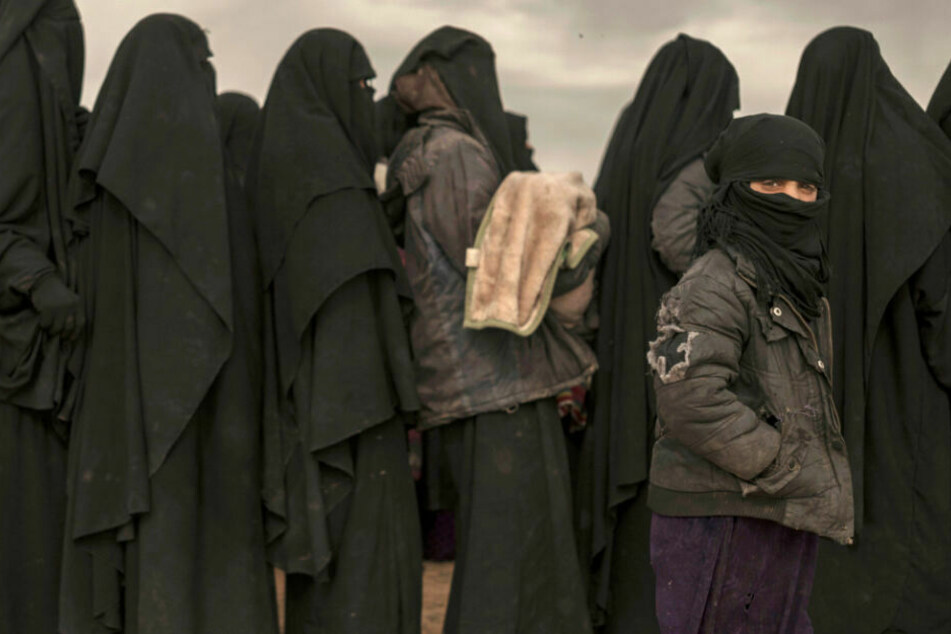 Die Rückkehr deutscher Frauen aus den ehemaligen IS-Gebieten beschäftigt schon seit Längerem die Sicherheitsbehörden (Symbolbild).