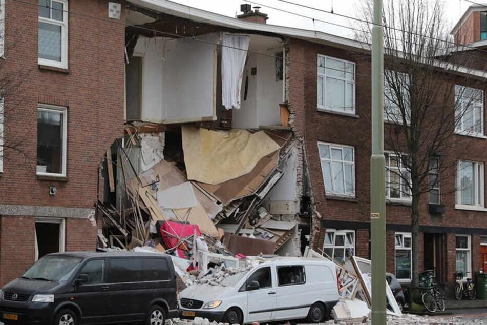Das Haus ist teilweise eingestürzt.
