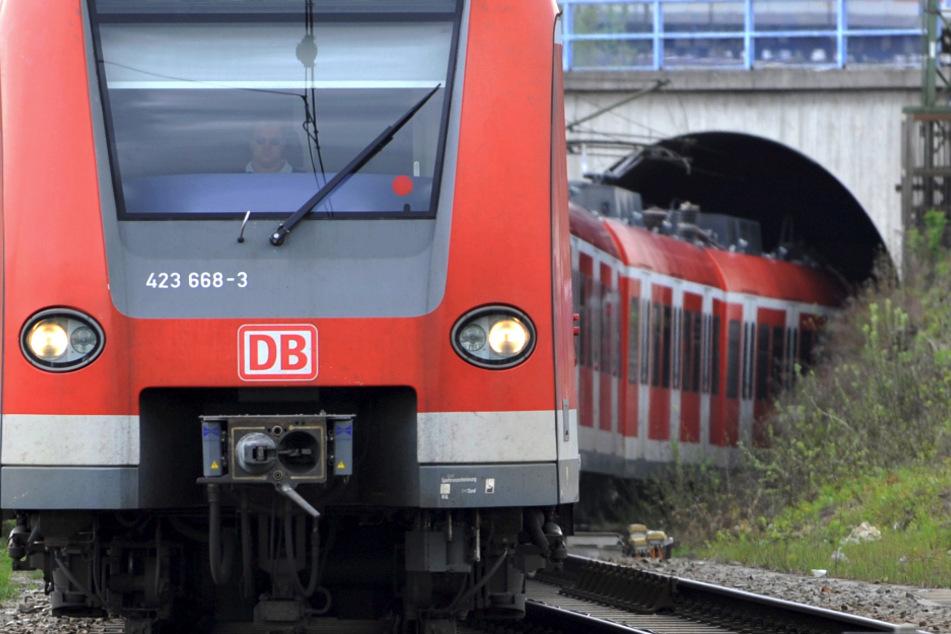 Wegen Bauarbeiten fahren an vier Wochenenden im August auf einem Teilabschnitt der Stammstrecke keine Züge. (Symbolbild)