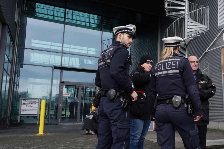 Schüsse auf Shisha-Bar in Stuttgart: Gab es ein rassistisches Motiv?