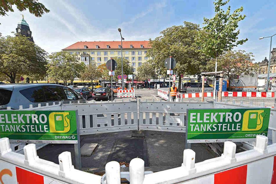 Am Pirnaischen Platz werden die vorhandenen Elektro-Tankstellen erweitert und zum Mobilitätspunkt ausgebaut.