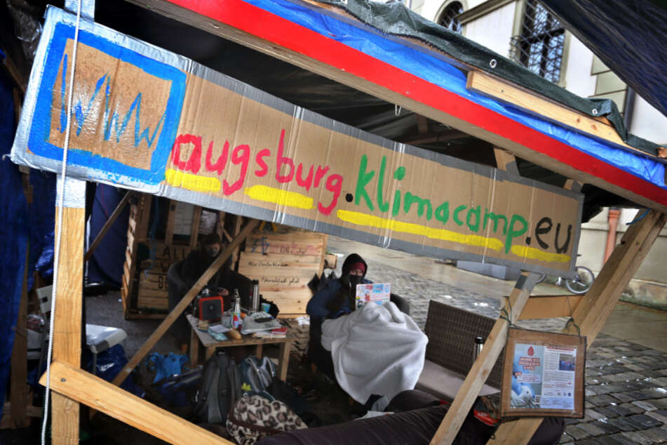 Das Klimacamp in Augsburg spaltet die Meinungen.