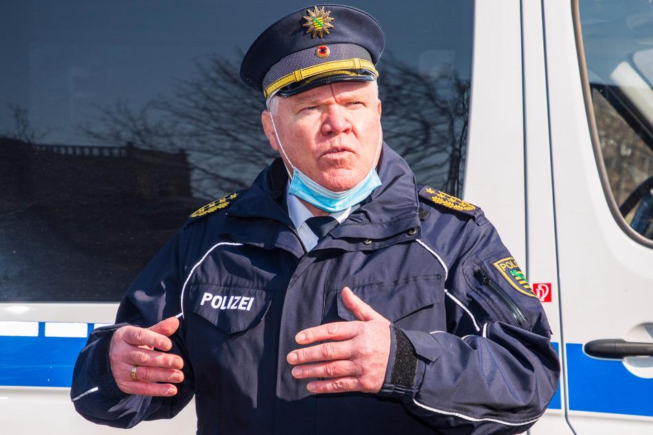 Landespolizeipräsident Horst Kretzschmar (61) stellte am Donnerstag die erste Unfallstatistik der Pandemie vor.