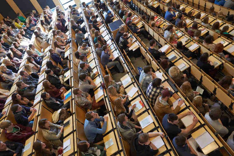 Wird Hessen immer schlauer? So viele Hochschul-Absolventen gab es 2018