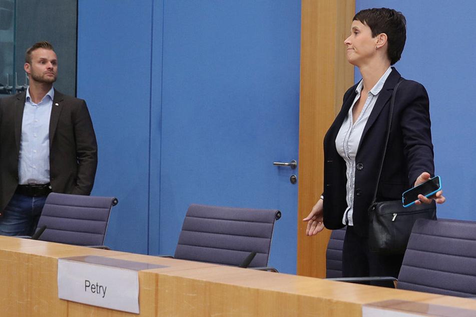 Frauke Petry (42) will nicht der AfD-Fraktion im Bundestag angehören.