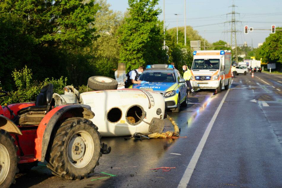 Schwerer Unfall: Traktor kracht in BMW
