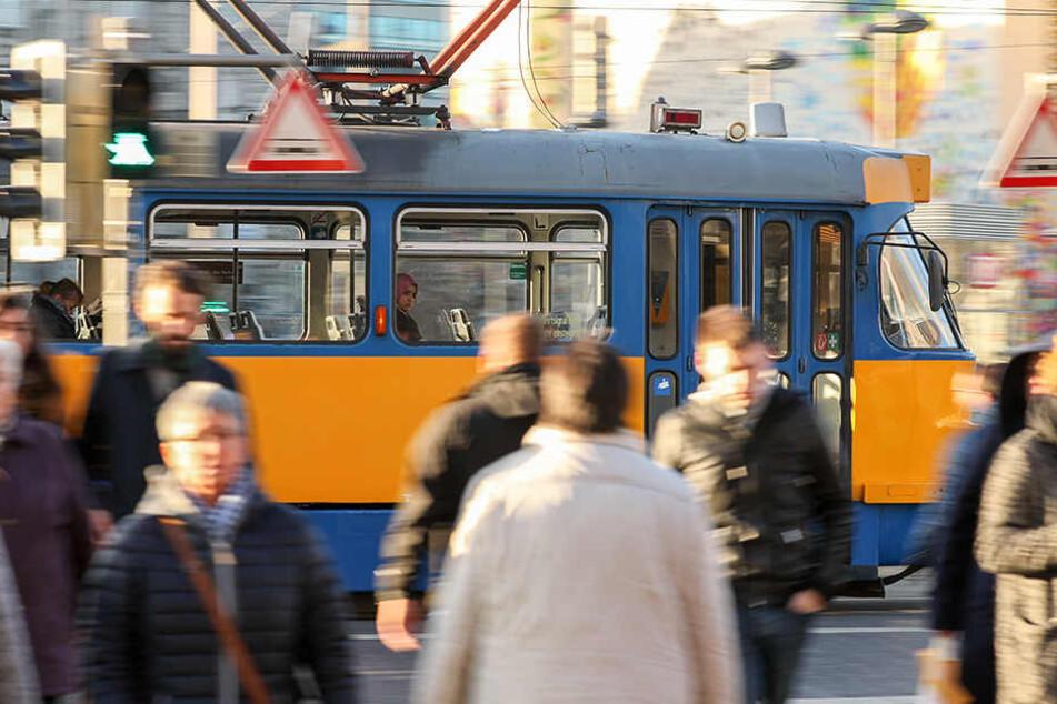 Bis Ende April sollen die Bauarbeiten der LVB auf der Prager Straße abgeschlossen sein.
