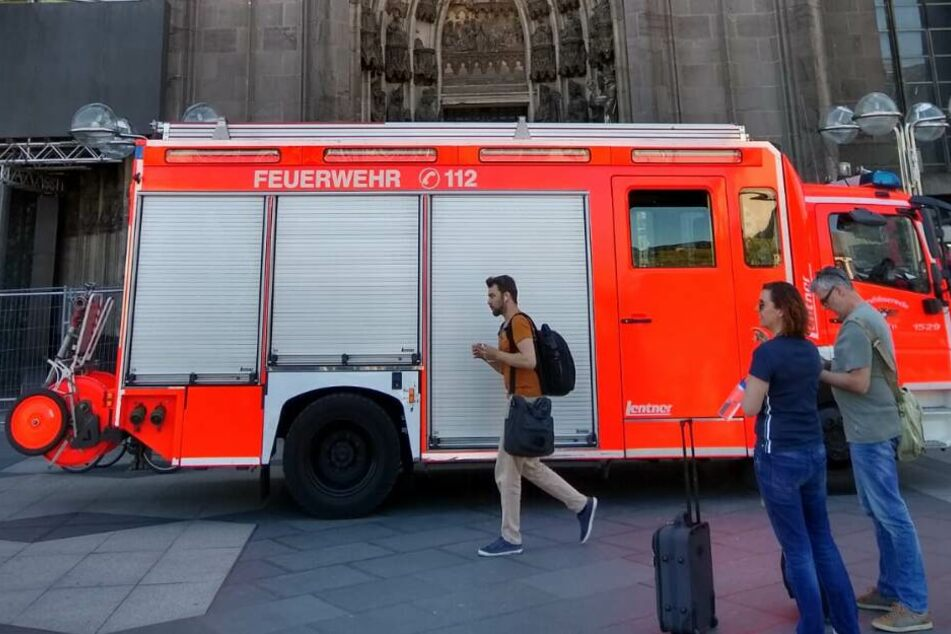 Die Feuerwehr wurde um 13 Uhr zu einem Notfall im Kölner Dom gerufen.