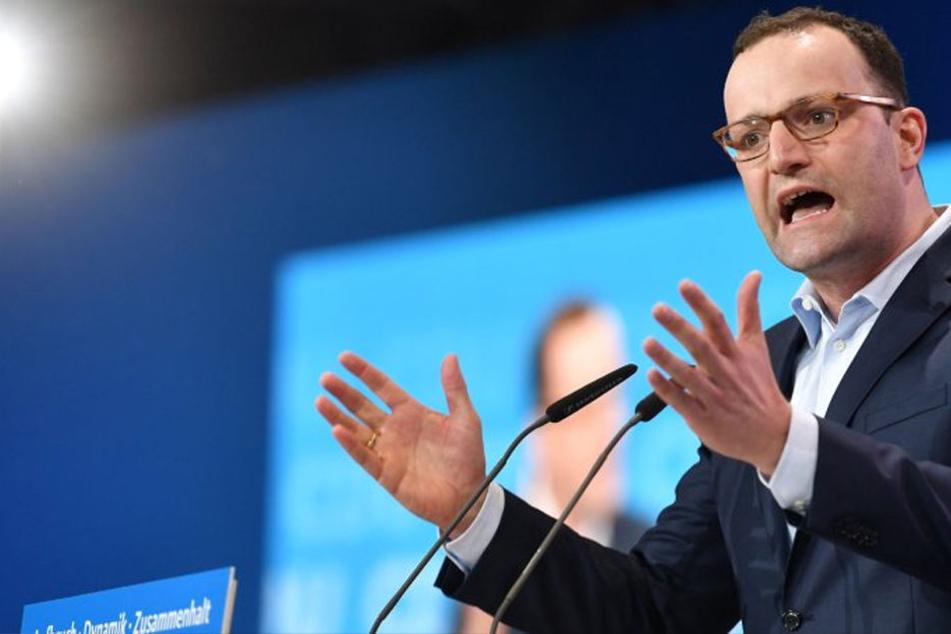 Jens Spahn (38, CDU) hat mit seiner Hartz-IV-Aussage eine neue Diskussion über die Angemessenheit der Hartz-IV-Beträge entfacht.