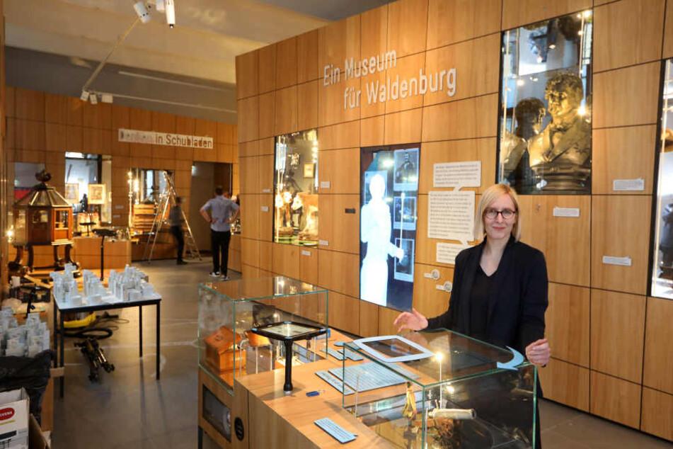 Die kommissarische Museumsleiterin Fanny Stoye erwartet ab heute die ersten Besucher in der neuen Ausstellung.