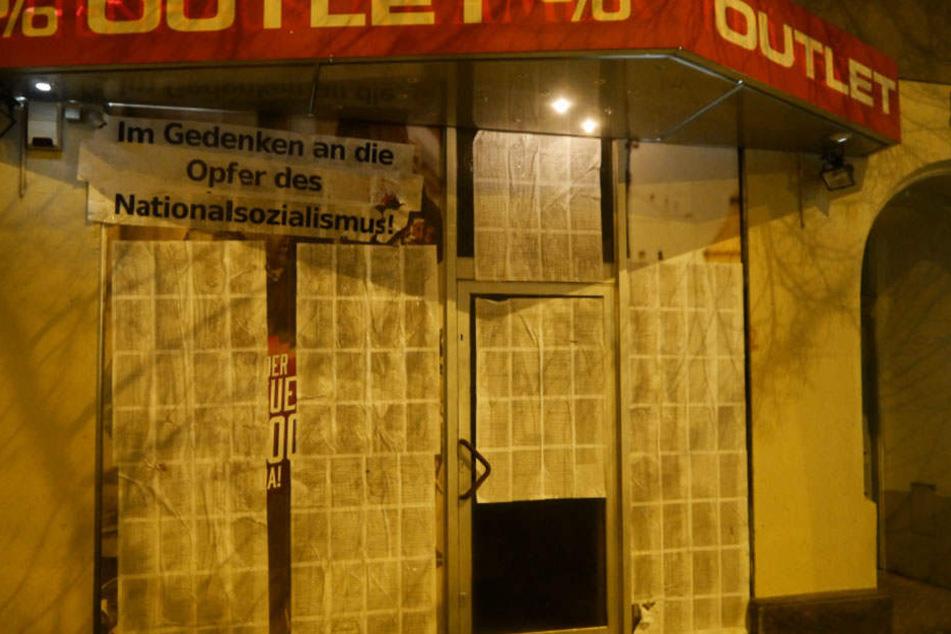 Die linke Künstlergruppe plakatierte den Thor-Steinar-Laden (Outlet 21) in Löbtau.