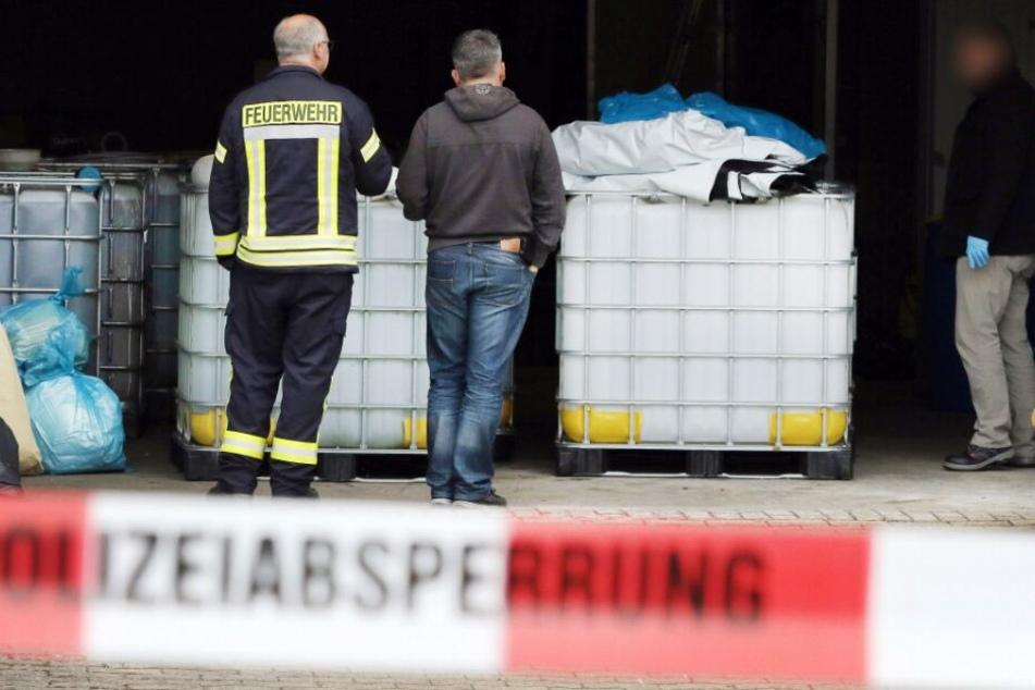 In einer Lagerhalle in preußisch Oldendorf wurden rund 35.000 Liter Chemikalien gefunden.
