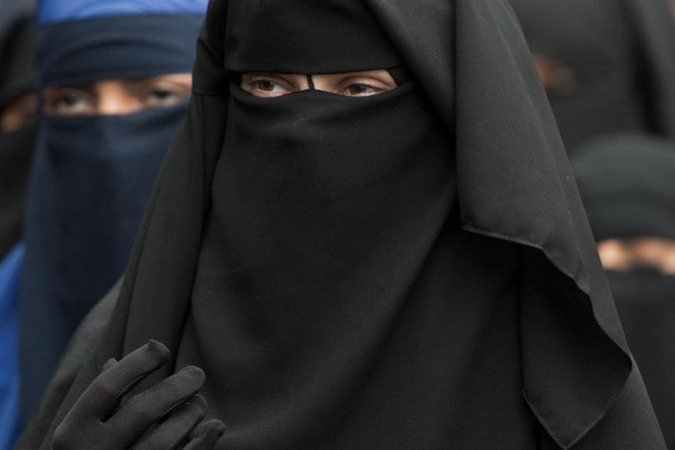 Salafisten wollen die Gesellschaft nach mittelalterlichen Regeln umgestalten. (Symbolbild)