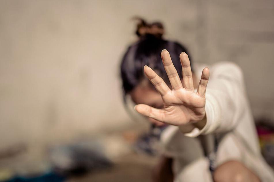 Die 19-Jährige schwieg nach dem Verbrechen wochenlang (Symbolbild).