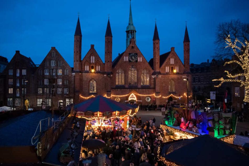 Auf dem Lübecker Weihnachtsmarkt kam es zu einer Schussabgabe.