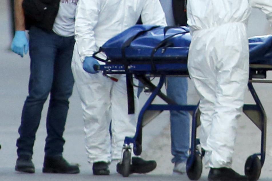 Sieben Mal wurde mit einer Eisenstange auf den Kopf des Opfers eingeschlagen (Symbolbild).