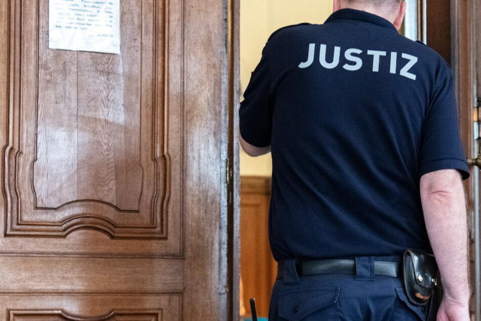 IS-Sympathisantin in Frankfurt vor Gericht: Bewährungsstrafe gefordert