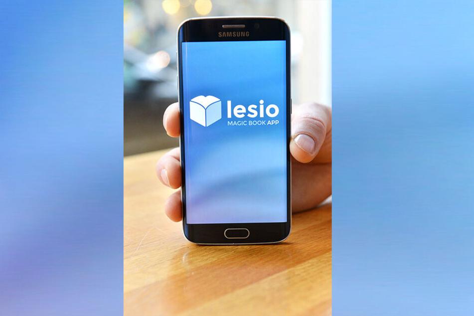 """""""lesio"""" zeigt Leseproben der Bücher, ohne Titel oder Autor zu nennen. Wenn's nicht gefällt, wird durch Schütteln des Handys ein neues Buch vorgeschlagen."""