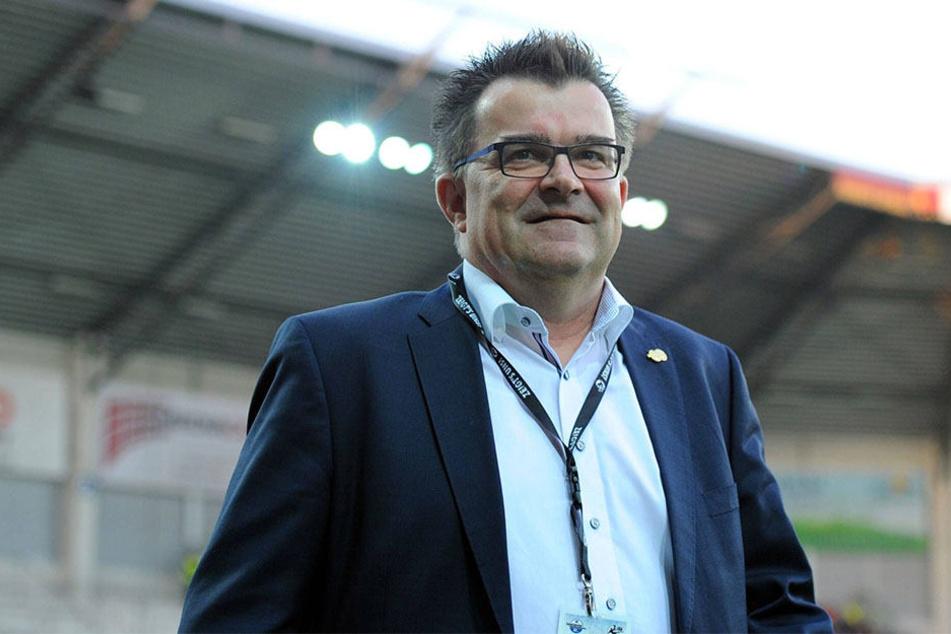 Martin Hornberger setzt auf René Müller und will mit dem Trainer die Kurve kriegen.