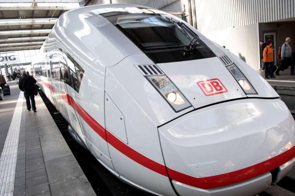 Die neuen Schnellzüge der Deutschen Bahn sind ganz schön flott unterwegs.