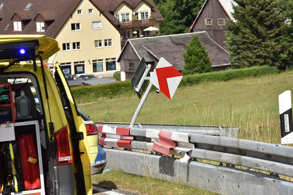 In einer steilen Kurve in Richtung Geising verlor der Biker die Kontrolle über sein Motorrad.