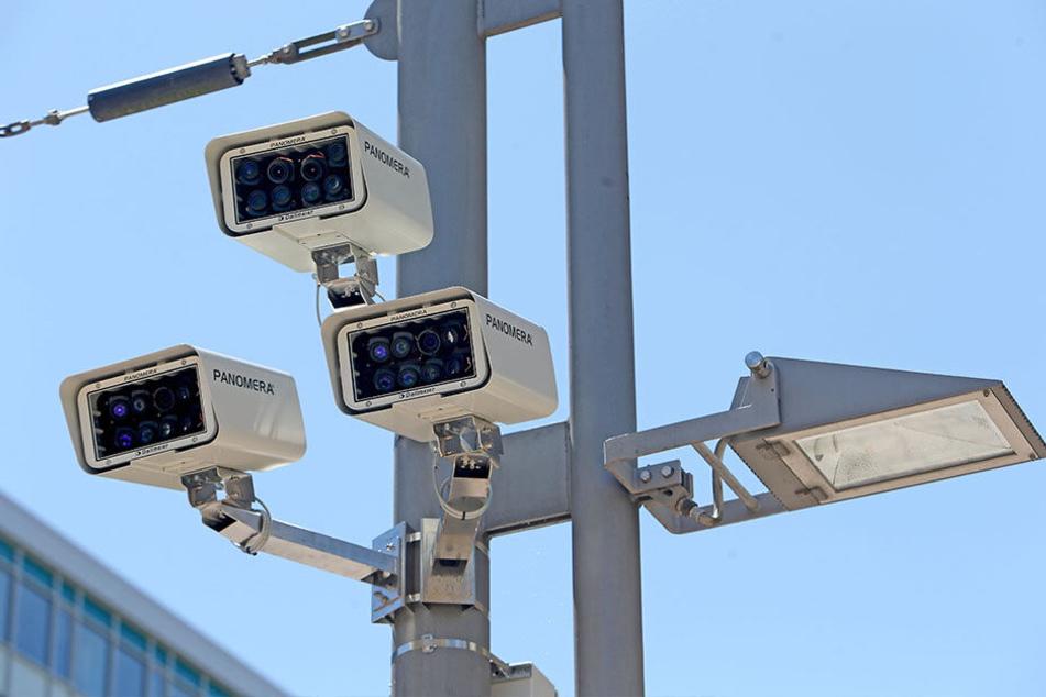 """Die Überwachungskameras in Chemnitz haben keinen """"Demo-Knopf""""."""
